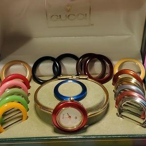GUCCI interchangeable bezel 11/12 2L Quartz Watch